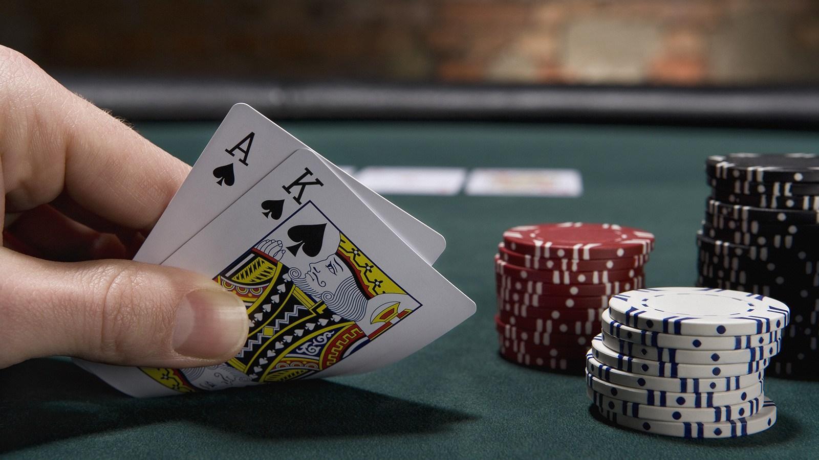 Apa itu Permainan Kasino Dealer Langsung dan Mengapa Ini Menjadi Populer?