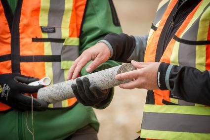 Bor inti dari proyek tambang emas tembaga Kasino porfiri Yukon Territory Kanada