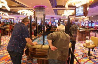 Kasino Atlantic City melihat kerumunan yang lebih muda selama pandemi coronavirus ketika penjudi yang lebih tua mundur | Kasino & Pariwisata