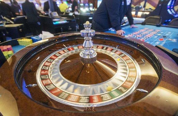 Menghalangi keputusan, hakim negara didesak oleh perusahaan kasino