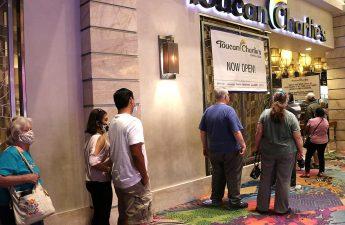 Atlantis adalah kasino Reno pertama yang membuat makan sepuasnya