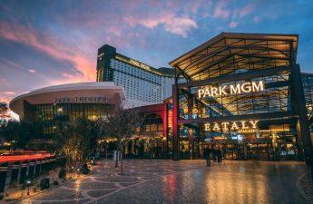 Bisakah Semua Hotel-Kasino Las Vegas Menjadi Bebas Rokok?