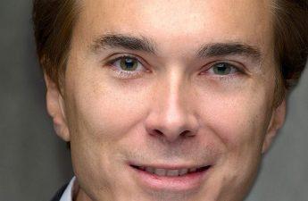 Mantan Senator Brent Waltz, eksekutif kasino dituduh melakukan kejahatan keuangan kampanye