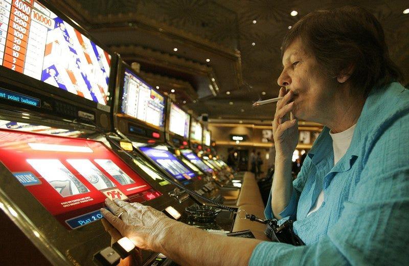 Park MGM menjadi kasino bebas rokok pertama di Las Vegas Strip - Honolulu, berita Hawaii, olahraga & cuaca