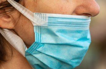Penutup wajah Coronavirus di bawah hidung setara dengan 'tidak memakai topeng': pakar - Nasional