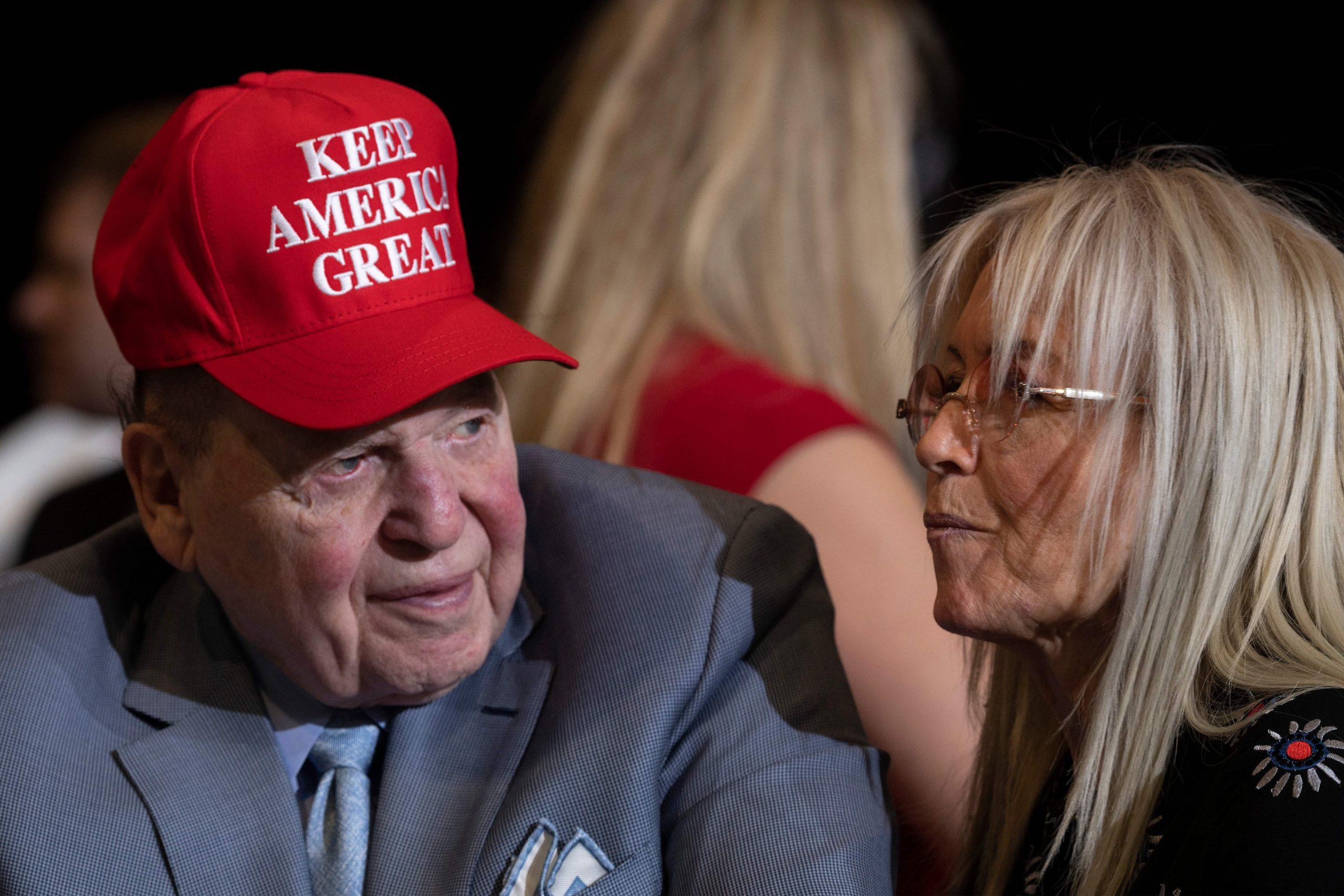 Sheldon Adelson berencana menghabiskan banyak uang untuk membantu Trump