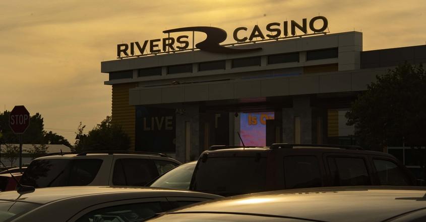Schenectady, kasino Saratoga mengatakan bahwa pembukaan kembali berjalan lancar; pendapatan turun 30%