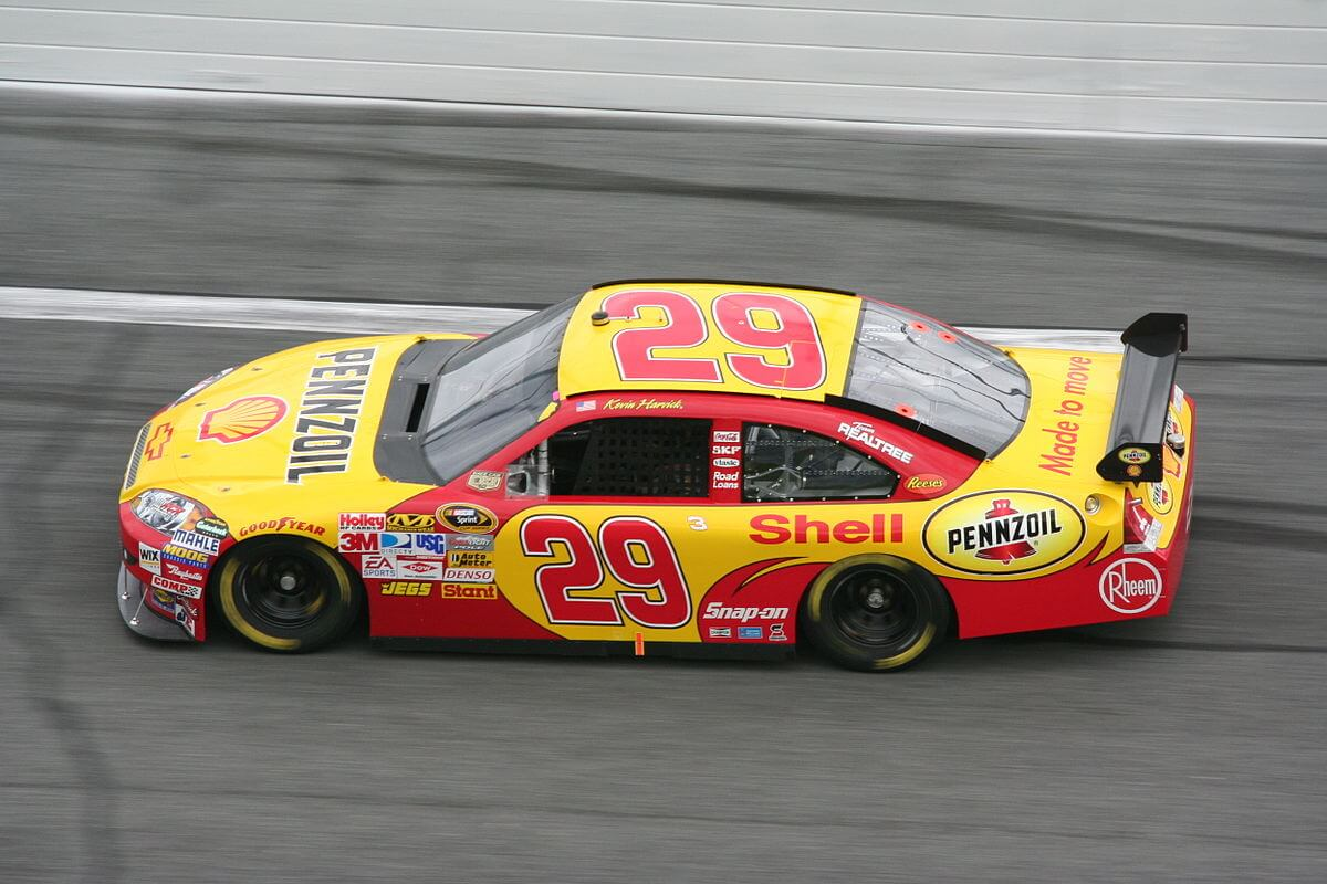 Peluang dan Pilihan NASCAR Hollywood Casino 400