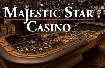 Logo Majestic Star Casino Dengan Latar Belakang Meja Craps