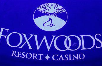 Connecticut Memperingatkan Casino-Goers 'Jangan Berjudi dengan COVID' - CBS Boston
