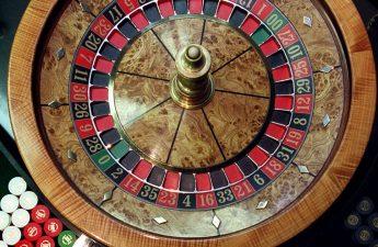 Gubernur menandatangani tagihan kasino Chicago
