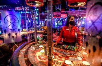Bagaimana permainan meja di kasino California Selatan berbeda selama coronavirus - Buletin Harian