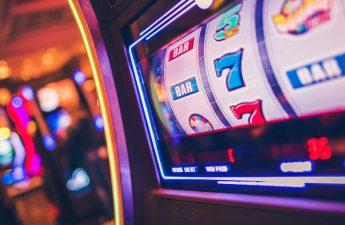Taruhan turun lebih dari $ 1,4 miliar di kasino Arkansas   Texarkana